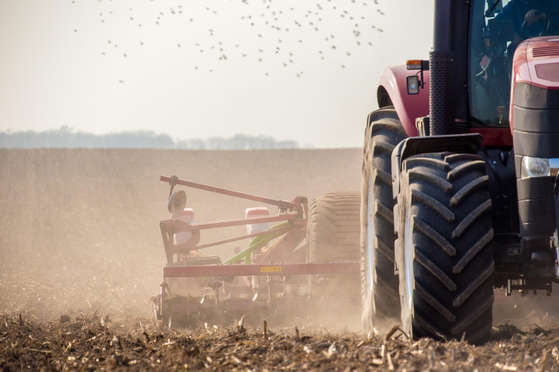 Tractor & planter